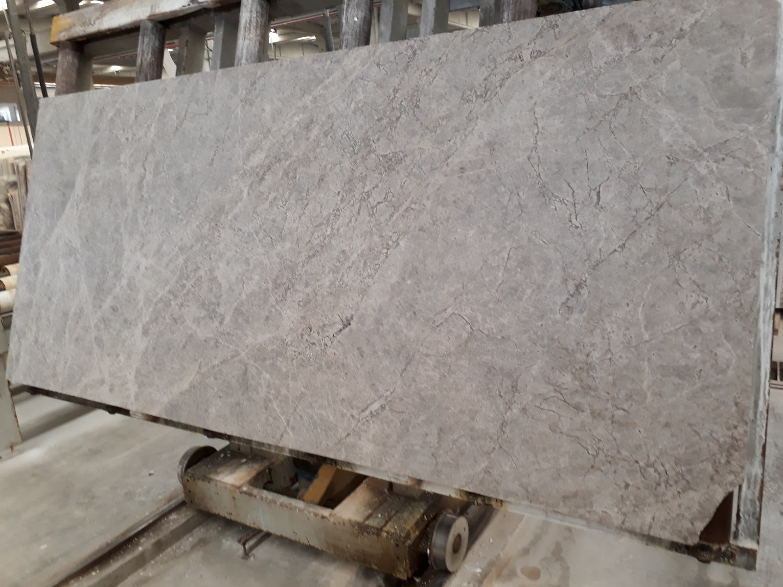 Silver Shadow_First Selection_Slabs 20 mm_Brushed_Selection__3_