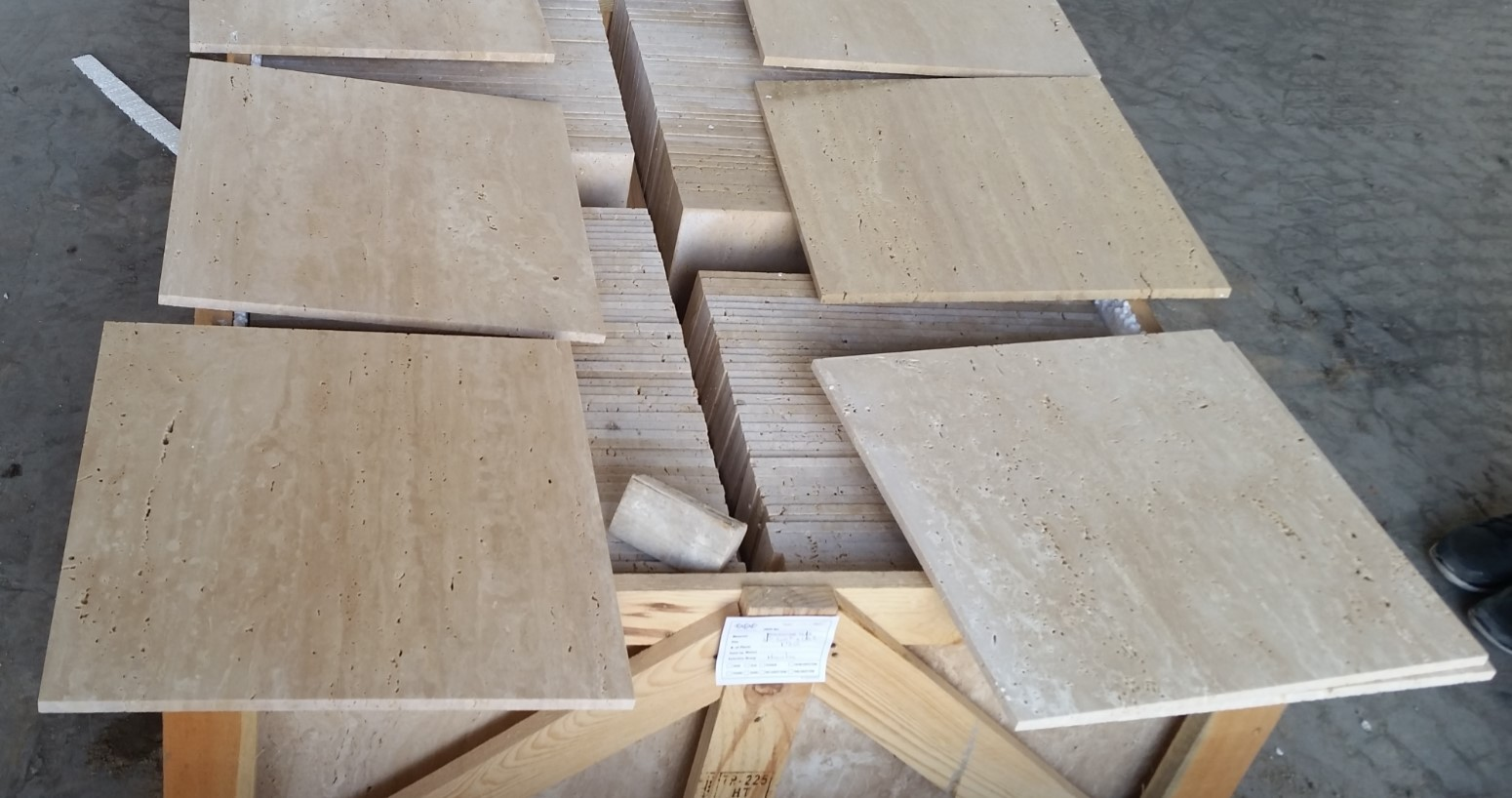 Travertine Classic Vein Cut_First Selection_406x406x12 mm_Honed_Selection_Like__3_